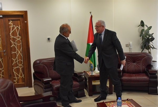 Minister Dr. Malki receives a copy of the credentials of the new President of the...